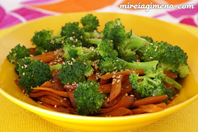 Salteado Corto De Brocoli Y Zanahoria Receta Vegana De legumbres con chorizo, soja verde, patatas y zanahorias. mireia gimeno